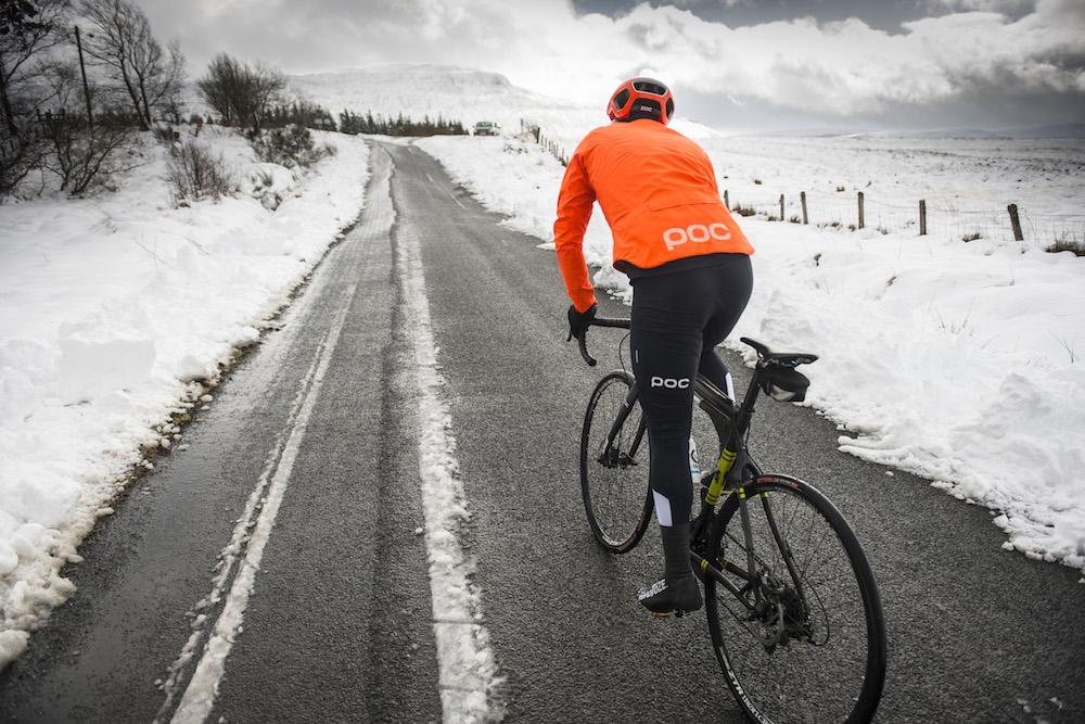 Kış bisiklet sürüşünde nasıl giyinmeli?