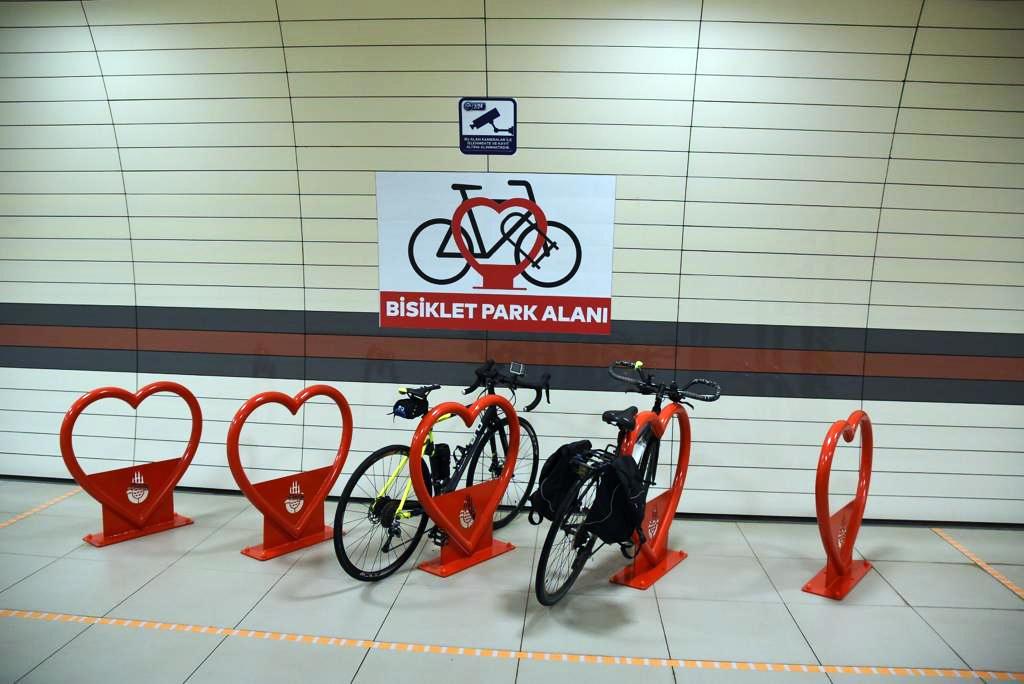 İstnabul metro istasyonlarında artık bisiklet parkları olacak