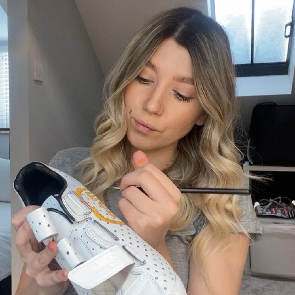 Charlotte Jarps özel tasarım bisiklet ayakkabıları yapıyor